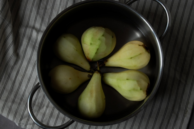 poached_pears_pan