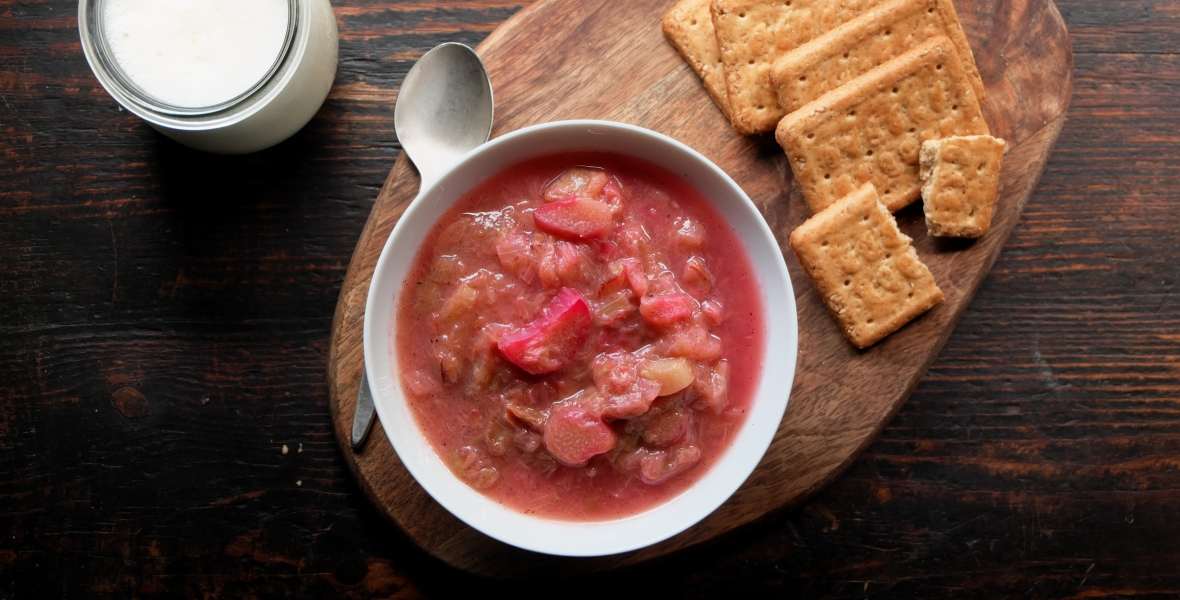 click on the picture to get the rhubarb compote recipe
