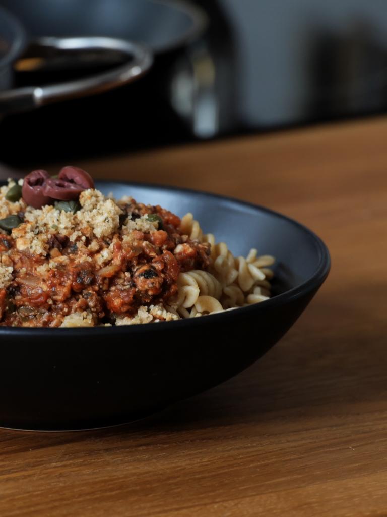 Fussili mit veganer Sauce Bolognese